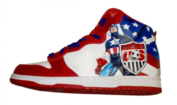 Nike Dunk Capt. America x US Soccer Customs The 2010 FIFA World Cup has